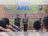 Kapolres bersama Dandim Bojonegoro Pimpin Apel Pergeseran Pasukan Pengamanan Pemilu 2019