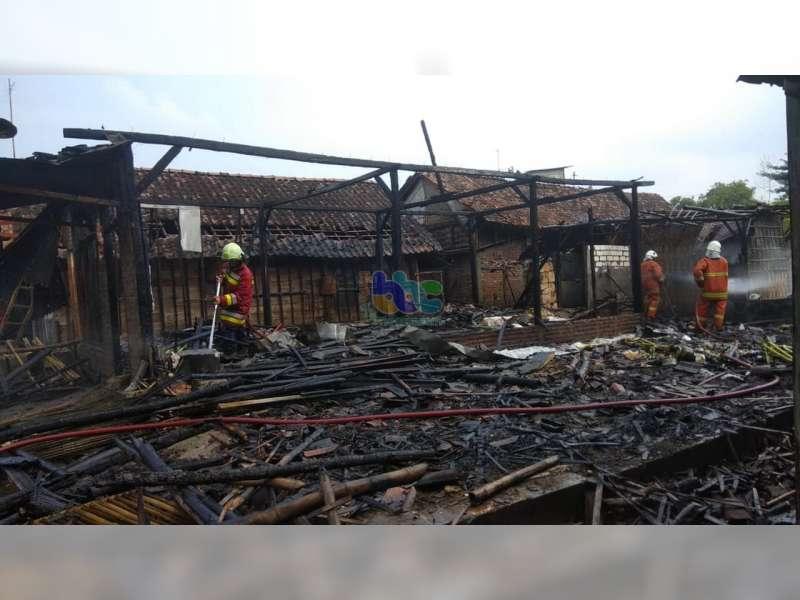 Rumah Milik Warga Balen Bojonegoro Ludes Terbakar, Diduga Akibat Korsleting Listrik
