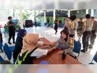 Urusan Kesehatan Polres Bojonegoro Cek Kesehatan Anggota Pengamanan PPK
