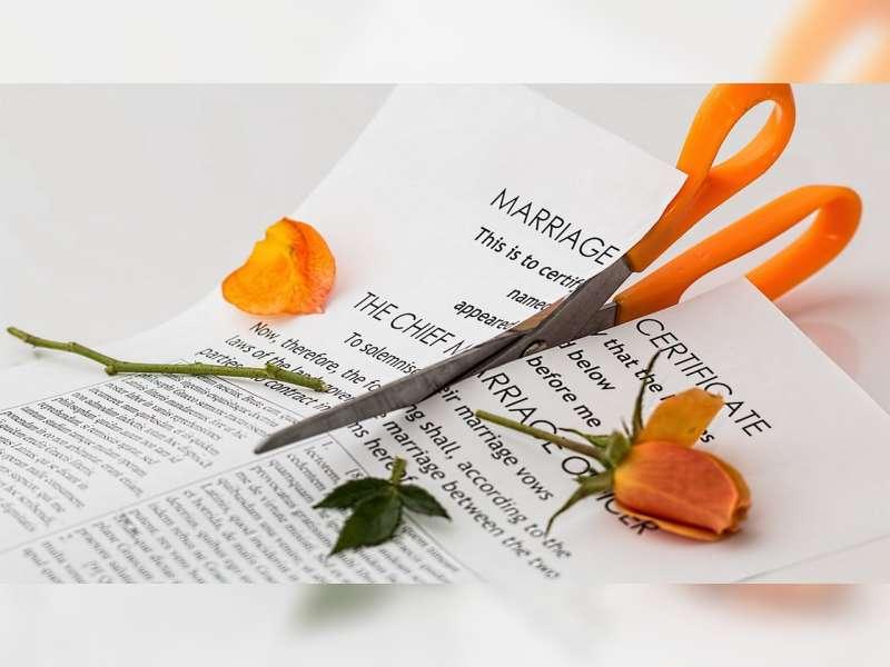 Istri Gugat Cerai, Suami Menolak di Pengadilan Karena Masih Cinta
