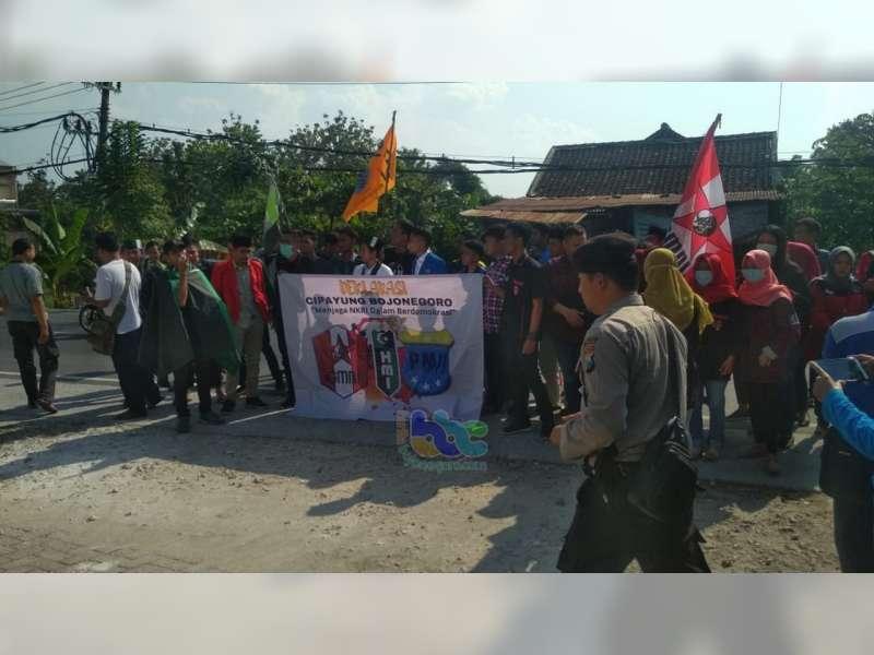 Gelar Aksi Damai, Aliansi Mahasiswa di Bojonegoro Beri Dukungan pada KPU