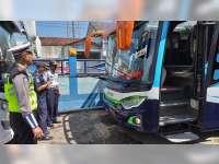 Pemerikssaan Kesiapan Armada Mudik Lebaran di Blora, Petugas Dapati Bus di Luar Trayek