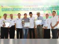 Wakil Bupati Bojonegoro Serahkan Pengharahan Adiwiyata dan Gerbang Bojonegoro Bersinar
