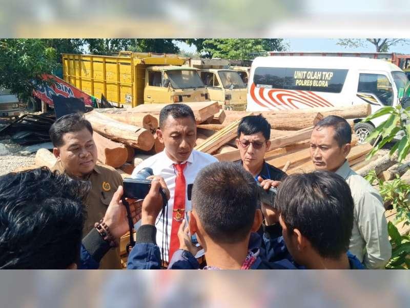 Polres Blora Bersama Perhutani, Amankan 250 Batang Kayu Jati Diduga Hasil Curian