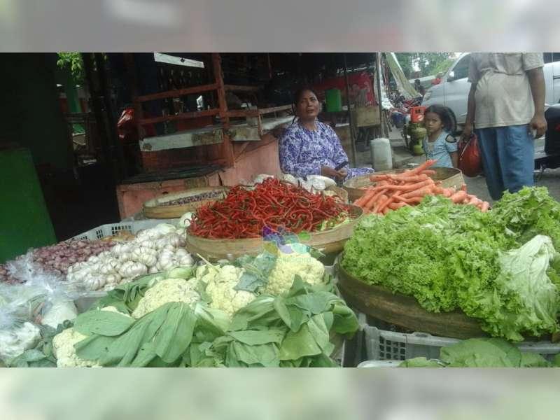 Jelang Iduladha, Harga Cabai di Pasar Bojonegoro Naik, Harga Tomat Anjok