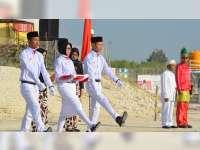 Khoirin dari Desa Bandungrejo, Pengibar Bendera Peringatan HUT RI di Lapangan Proyek Gas JTB