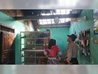 Diduga Akibat Korsleting Listrik, Atap Rumah Milik Warga Gayam Bojonegoro Terbakar