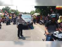 Tabrak Pintu Mobil, Seorang Pemotor di Padangan Bojonegoro Luka-Luka