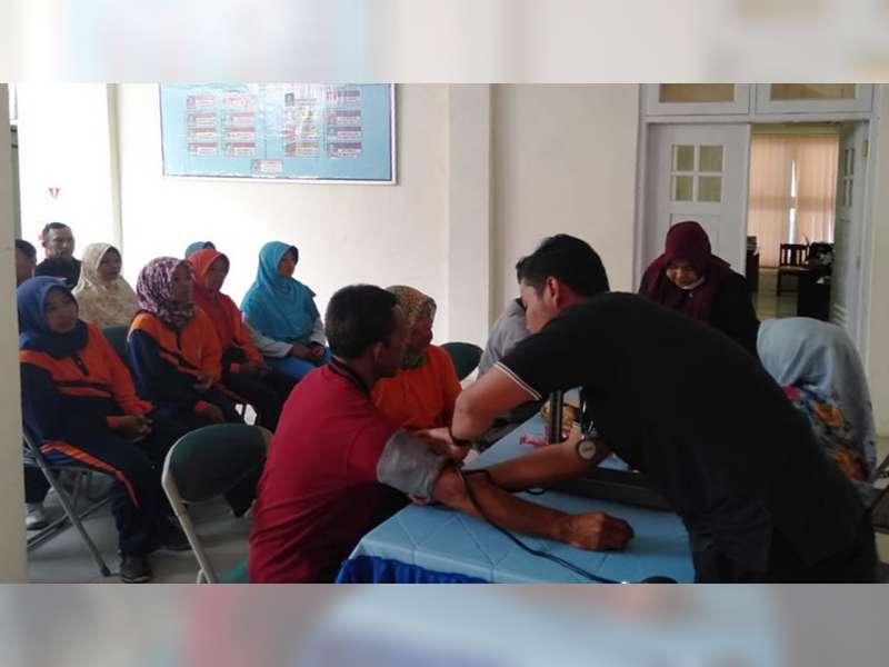 DLH Blora Gelar Pemeriksaan Gigi Gratis Bagi Pasukan Petugas Kebersihan