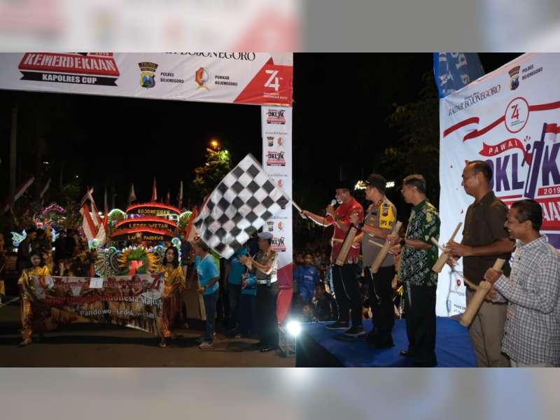 Wakil Bupati Bojonegoro Berangkatkan Peserta Pawai Oklik Kemerdekaan, Kapolres Cup