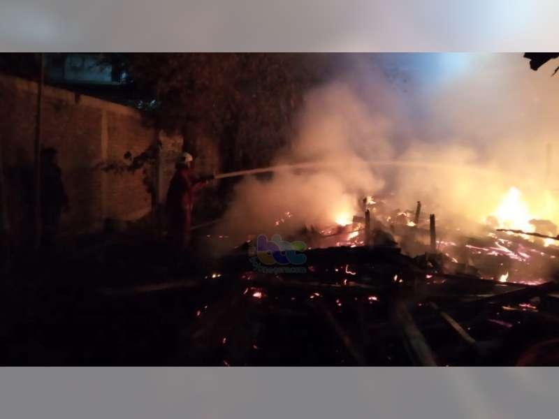 2 Unit Rumah Warga Kalitidu Bojonegoro Terbakar, Seorang Korban Alami Luka Bakar