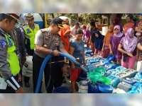 Sat Lantas Polres Blora Droping 15 Tangki Air Bersih, Untuk Warga Desa Jepangrejo