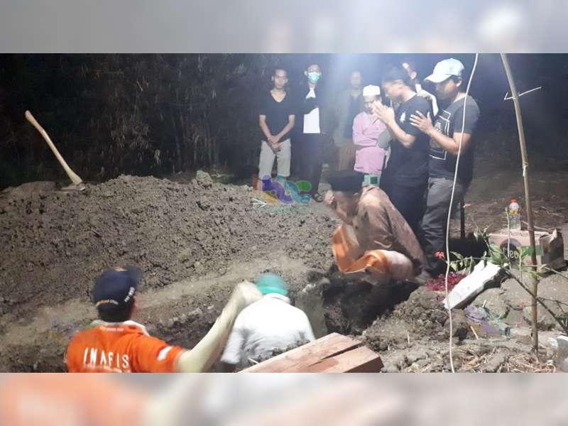 Polisi di Bojonegoro Bongkar Makam 2 Warga Kedungadem untuk Dilakukan Diotopsi