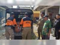 Satpol PP dan Dinsos Bojonegoro, Evakuasi Dua Orang Gelandangan ke Rumah Sakit
