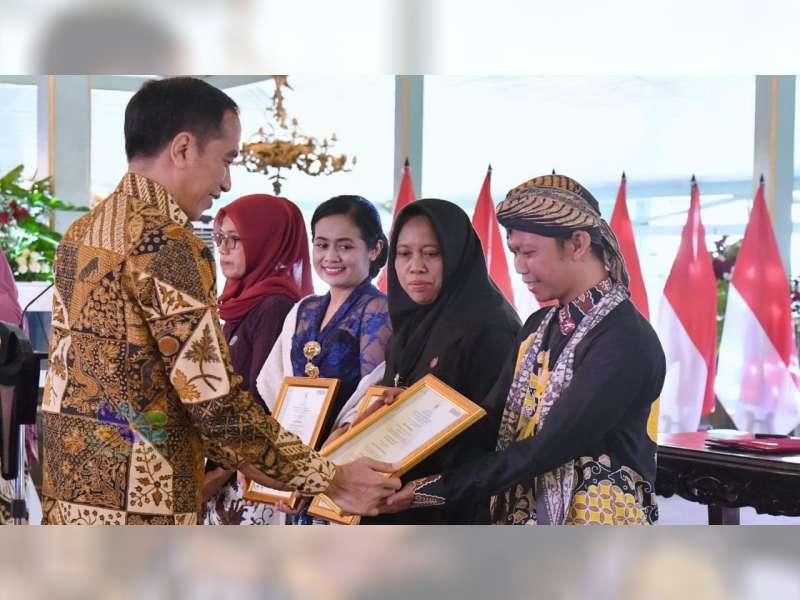 Batik Nimas Barokah Blora, Terima Sertifikat Batik dari Presiden Jokowi
