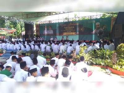 Ribuan Jemaah Hadiri Pengajian dan Gema Salawat di Alun-Alun Bojonegoro