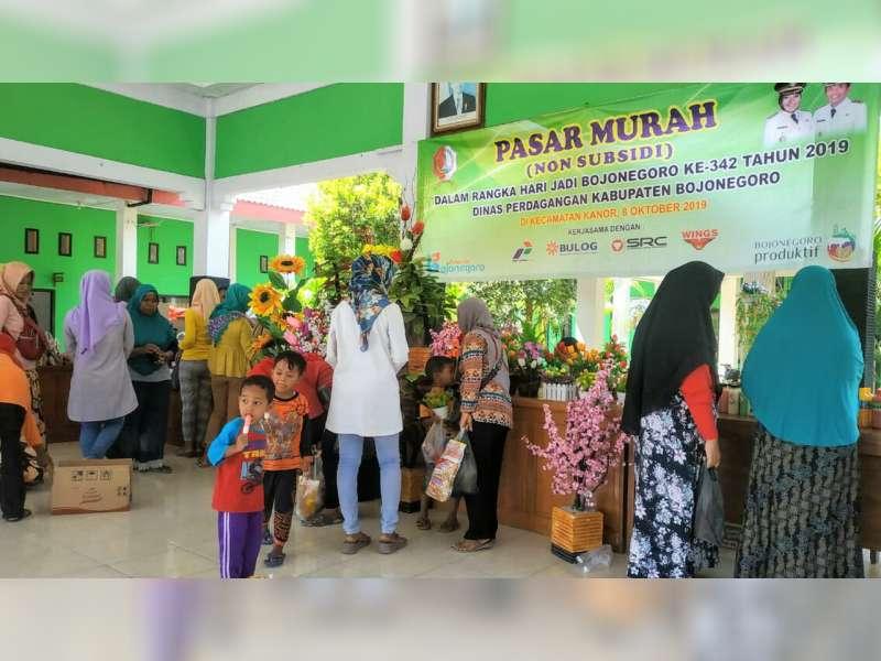 Dinas Perdagangan Kabupaten Bojonegoro Gelar Pasar Murah di 10 Kecamatan