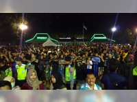 Ribuan Warga Hadiri Grebeg Berkah Bojonegoro, Rebutan Gunungan Kaya Praja