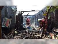 Diduga Akibat Korsleting Listrik, 3 Rumah Warga Baureno Bojonegoro Terbakar