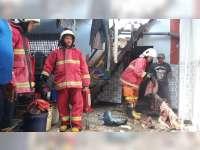 Kompor Rumah Makan di Bojonegoro Terbakar, Seorang Pekerja Alami Luka Bakar
