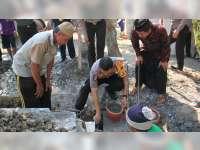 Kapolres Bojonegoro Letakkan Batu Pertama Pembangunan Musala Darussalam Desa Pacul